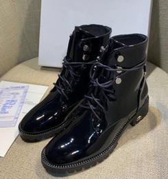 Botines británicos online-Plataforma de invierno botas remache mujer más terciopelo retro British Martin zapatos gruesos con botines altos para ayudar a las botas de las mujeres