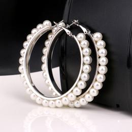 Donne ragazze moda oro argento riempito perle orecchino ad anello di nozze orecchini geometrici gioielli moda 2018 cheap gold hoop pearl da perla di cerchio d'oro fornitori