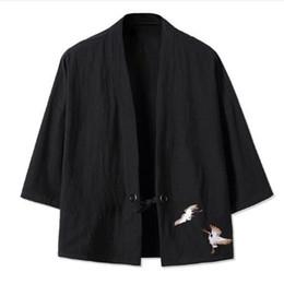 2019 männer lose leinenjacke Kimono chinesischen Stil Männer Retro-Dreiviertel-Ärmel Strickjacke Han chinesische Kleidung lose große Baumwolle Leinenoberteil günstig männer lose leinenjacke