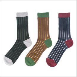Japanische Herbst und Winter Socken Retro National Style Neue Herren Doppelnadeln und Zwei-Wege Dick Linie Männer Socken mit 80% Baumwolle von Fabrikanten