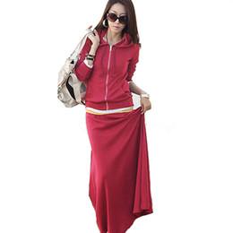 Conjunto de falda sudadera online-La mujer se adapta a chándales determinada de la manera de la manga larga de los Hoodies + Faldas Conjuntos chándales el juego ocasional de Cultivos tapa y una falda Conjunto femenino