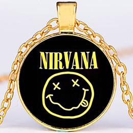 серебристый сплав время драгоценный камень кабошон мужская рок-группа Нирвана ожерелье улыбка улыбающееся лицо ожерелье Нирвана логотип смайлик кулон ожерелье x586 от Поставщики группа улыбок