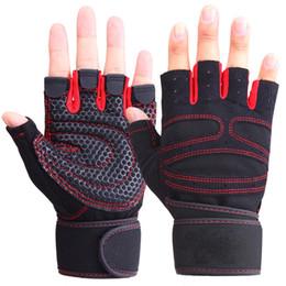 2019 aquecedores de mão sem dedos Homens quentes Mulheres Metade do Dedo Luvas de Fitness Luvas de Levantamento de Peso Proteger O Treinamento do Pulso Ginásio Luvas de Fitness Sem Dedos de Levantamento de Peso