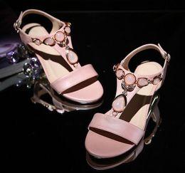sandalia talla 34 tacones bajos Rebajas Las mujeres sandalias punta abierta de la T-Correa de Bohemia Beach bajo zapatos de los tacones de verano de mujeres Crystal sandalias de color rosa de gran tamaño 34-42