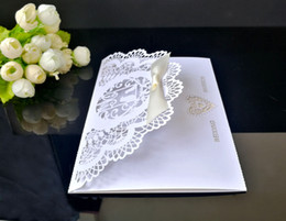 Wholesale Pearl Sets For Wedding - Delicate Pearl Paper Wedding Invitation 10Pcs set Card Heart Pattern Hollow Out Carved Crafts Card For Wedding Party