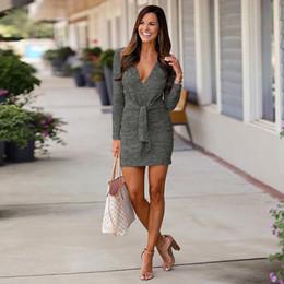 winterkleidung kleidung frauen Rabatt Sexy Tiefem V-ausschnitt Etuikleid Langarm Büroarbeit Herbst Winter Mode Elegante Party Taille Gürtel Kleid Frauen Kleidung
