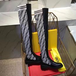 Botas planas sobre la rodilla online-2018 Moda de diseño de lujo para mujer botas de 24 pulgadas Slim sobre la rodilla botas sexy elástica de punto moda muslo talón plano damas botas de invierno