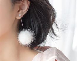 белые камни длинные серьги Скидка 1 пара CZ камень черный/ белый мех мяч длинные серьги для женщин серьги 100% реальный. Ювелирные изделия Gtle1757 стерлингового серебра 925 зимы
