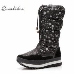 Rumbidzo Tamanho 35-43 Moda Feminina Botas de Pelúcia Quente Botas de Neve Ankle Boots de Inverno Senhoras Botas de Neve Cor Branca À Prova D 'Água de Fornecedores de botas femininas de cor branca