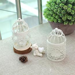 2019 castiçais de pilar de vidro Estilo europeu de Metal Oco Castiçais Lanterna de Ferro Branco Castiçal De Casamento Enfeite de Natal Decoração de Casa de Casamento