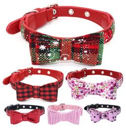 2019 collar de perro pajarita mediano Collar de perro para mascotas Pajarita Collares de cuero navideños Talla múltiple para perros pequeños, medianos, grandes, gatos collar de perro pajarita mediano baratos