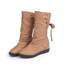 Eur 43 mulheres sapatos on-line-Senhoras da moda Botas de Inverno de Couro Macio Martin Botas Mulher Sapatos Baixos Mulheres Coxa Botas Altas Chaussure 2018 # 56 Plus Size EUR 35-43
