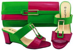 2019 tacco di fucsia Verde + colore fucsia Scarpe moda italiana con borse abbinate Scarpe e tacchi donna africani con tacco alto impostati per il ballo tacco di fucsia economici