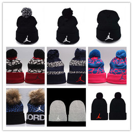 2019 cappellini di lana Top Vendita Cappelli hip-hop a buon mercato Cappelli Pom Beanie Cappellino in lana Cappelli invernali Autunno Cappellino uomo cappello di lana sconti cappellini di lana