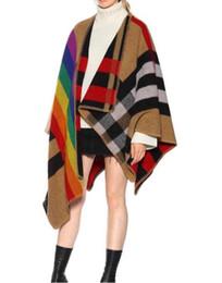 Scialli di pista online-1026 spedizione gratuita 2018 autunno marca stesso stile maglione scialle maglioni delle donne runway multicolore moda sh