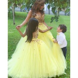 Argentina Vestido de fiesta Mhamad TuTu Flores Vestidos para niñas Patrones de niña Vestido de madre e hija Vestidos Una línea de cuello redondo Partys amarillo Suministro