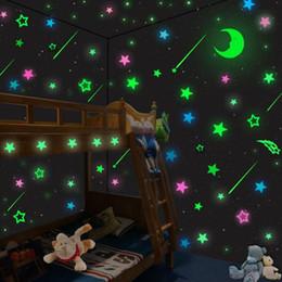 2019 quarto de parede para crianças Luminosa princesa gril decorações de parede vara bonito brilho adesivos para quartos dos desenhos animados adesivos de parede fluorescente magia adesivos de parede crianças brinquedo desconto quarto de parede para crianças
