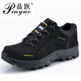 herrenmode sicherheitsstiefel Rabatt Mens-Art- und Weisegroße Größe breathable Stahlzehenkappe, die Arbeitssicherheitsschuhe kuhwildleder Anti-punktieren niedrige Aufladungen zapatos hombre arbeitet