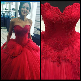 Wholesale Sweet 15 Dresses Cheap - 2018 Red Cheap Quinceanera Gowns Sweetheart Lace Beads Lace Up Masquerade Ball Gown Prom Evening Formal Wear Sweet 16 Dresses 15 Year