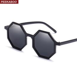 7360b7b3a6698 2019 lunettes de soleil noires pour les fêtes Peekaboo noir octogone  lunettes de soleil femmes rétro