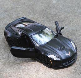 Ausgestoßene sportwagen online-Brandneue Corvette C7 Sportwagen Modell 1:36 Legierung ziehen Auto Modell Diecast Metall Spielzeug Fahrzeuge 2 offene Türen
