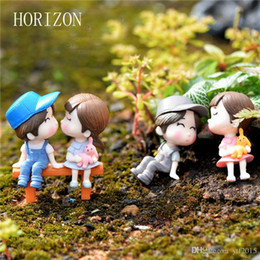 Wholesale gnome set - Hot 1 set Sweety Lovers Couple with Chair Figurines Miniatures Resin Crafts Fairy Garden Gnome Moss Terrariums DIY Gift