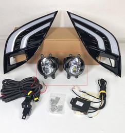 2019 lampe antibrouillard pour toyota corolla 2 pcs Pour Toyota Camry 2018 XSE SE Voiture LED Jour Lumière Courante Blanc + Jaune Lecteur