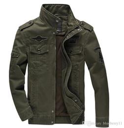 Las chaquetas del ejército de los hombres de invierno más el tamaño 5XL Las chaquetas del bordado de prendas de vestir exteriores verde negro del coste caliente para el militare del aeronautica desde fabricantes