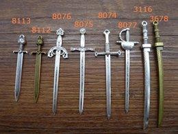 2019 антикварные ножи 8шт Античное серебро тяжелый длинный меч нож подвески кулон, ювелирные изделия найти DIY аксессуары скидка антикварные ножи