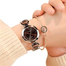 2019 самые маленькие наручные часы Gold Bracelet Women Dress Wristwatches Women Quartz Analog Wrist Small Dial Delicate Watch  Business Watches High Quality дешево самые маленькие наручные часы