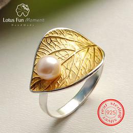 oro dell'anello della perla dell'annata Sconti Lotus Fun Moment Real Argento Sterling 925 Vintage Natural Pearl Fashion Jewelry Anello regolabile Anelli foglia oro per le donne Bijoux