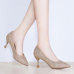 2aa2649db4ca Frauen Pumpen Neue Mode Sexy Prom Party Schuhe Klassische Weiß Schwarz Rosa  Hellgrün OL Büro Karriere High Heels günstig rosa high heels für prom