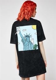 Wholesale american liberty - European and American Tide Brand Ripndip 18SS Liberty Goddess Middle finger cat short-sleeved couple men and women T-shirt