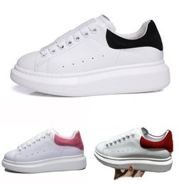 Wholesale ladies platform shoes elastic band - Good quality 2018 New Mens Womens Fashion Luxury White Leather Platform Shoes Flat Casual Shoes Lady Black Red Pink Sneakers