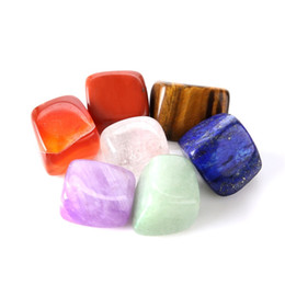 Wholesale Box Marriage - 7pcs 1set Natural Crystal Reiki Chakra Multi Color Slip Healing Stones Stones Beautiful Glossy Minerals For Yoga New Arrival 6 8cm Z