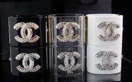 Бриллиантовый браслет широкий онлайн-Цена по прейскуранту завода-изготовителя высокое качество роскошные заклепки двойной алмаз манжеты широкий браслет мода прозрачный Кристалл панк акриловый браслет с коробкой