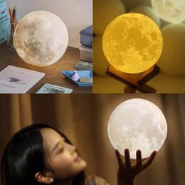 Farbe ändernde led-lichter online-3D Druck Mond Lampe Licht NEUE Wiederaufladbare 2 Farbwechsel Berührungsschalter Tragbare Licht Schlafzimmer Bücherschrank Haus Kreative Dekor
