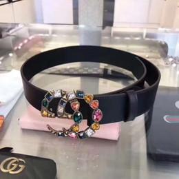 Senhoras moda tops on-line-2018 top designer de luxo cinto de couro de cor pura moda simples cinto de senhora estilo das mulheres cinto de couro de diamante