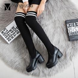 Chaussettes européennes bottes hautes plateforme en cuir sur le genou à tricoter longue moto botas femmes talons épais taille 9 bottes en peluche ? partir de fabricateur