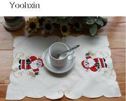 sets de table modernes Promotion Moderne dentelle satin place table tapis en tissu pad broderie tasse mug titulaire boire verre verre plat coaster Noël napperon cuisine