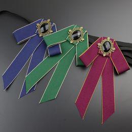 2019 jóias de camafeu vintage Mulheres Bow Tie Vintage Cameo Senhora Cabeça Diamod Fita Tassel Broche Chic Meninas Elegantes Bijuterias Gola Pin Menina Cravat jóias de camafeu vintage barato
