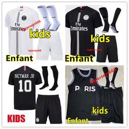 Top crianças camisa de futebol Define maillot psg aJ 3a camisa de futebol  2019 criança Maillot de pé psg MBAPPE camisa de futebol colete campeões  Jersey l ... efa3ab568a12b