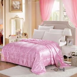 Ropa de cama de satén rosa de lujo online-CARA CARLE Comforter Pink Quilt Qualified Mulberry Silk Smooth luxury Bedding set satin Wedding Gift All Seasons Duvet Queen