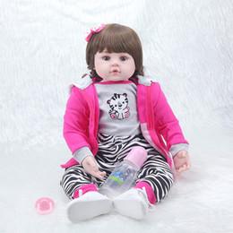 Argentina Venta al por mayor- NPKCOLLECTION22inch 55cm popular simulación bebé recién nacido con ropa linda mejor regalo de Navidad muñecas de bebé renacidas de silicona supplier girls pvc clothing Suministro