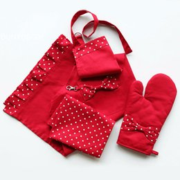 Wholesale Heart Textile - DUNXDECO 3PCS Set Little Girl Heart Pure Red White Oven Mitt Table Placemat Apron Cotton Hot Kitchen Textile Valentine Gift