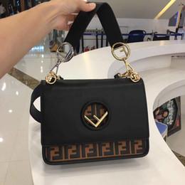 078cdc42d556 Женщины мешков сумки сумочки женщин известных брендов дизайнер сумка на  плечо дамы муфты кошельки и сумочки черная цепочка tote bolsa feminina