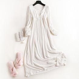 Camisón de manga larga de encaje blanco online-New Wonen's 100% algodón Royal Princess Pijamas largos camisón de encaje blanco Otoño Ropa de dormir de manga larga Pijamas para mujer Chándal