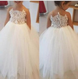 Wholesale fathers day designs - 2018 White Flower Girl Dresses Unique Upper Body Design And Jewel Neck Lace Appliqued With Simple Tulle Girl Dresses