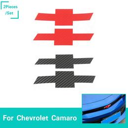 emblemas do carro adesivos chevrolet Desconto Car Frente Cruz traseira Emblema Decoração de fibra de carbono de grão adesivos Para Chevrolet Camaro 2017 Up Car Styling Acessórios Exterior