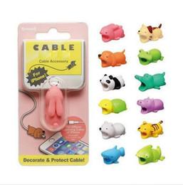 2019 cubiertas de cable de alambre Cute Animal Bite USB Lightning Charger Protección de datos Cubierta Mini Wire Protector Cable Cable Accesorios para el teléfono Regalos creativos 31 diseños cubiertas de cable de alambre baratos